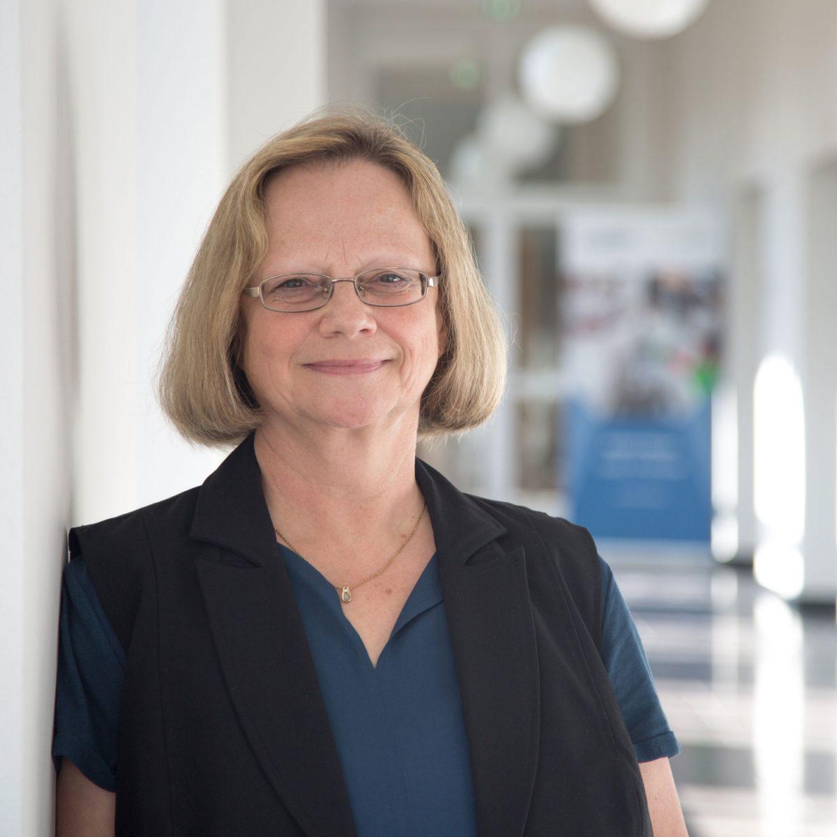 Dr. Susanne Engmann