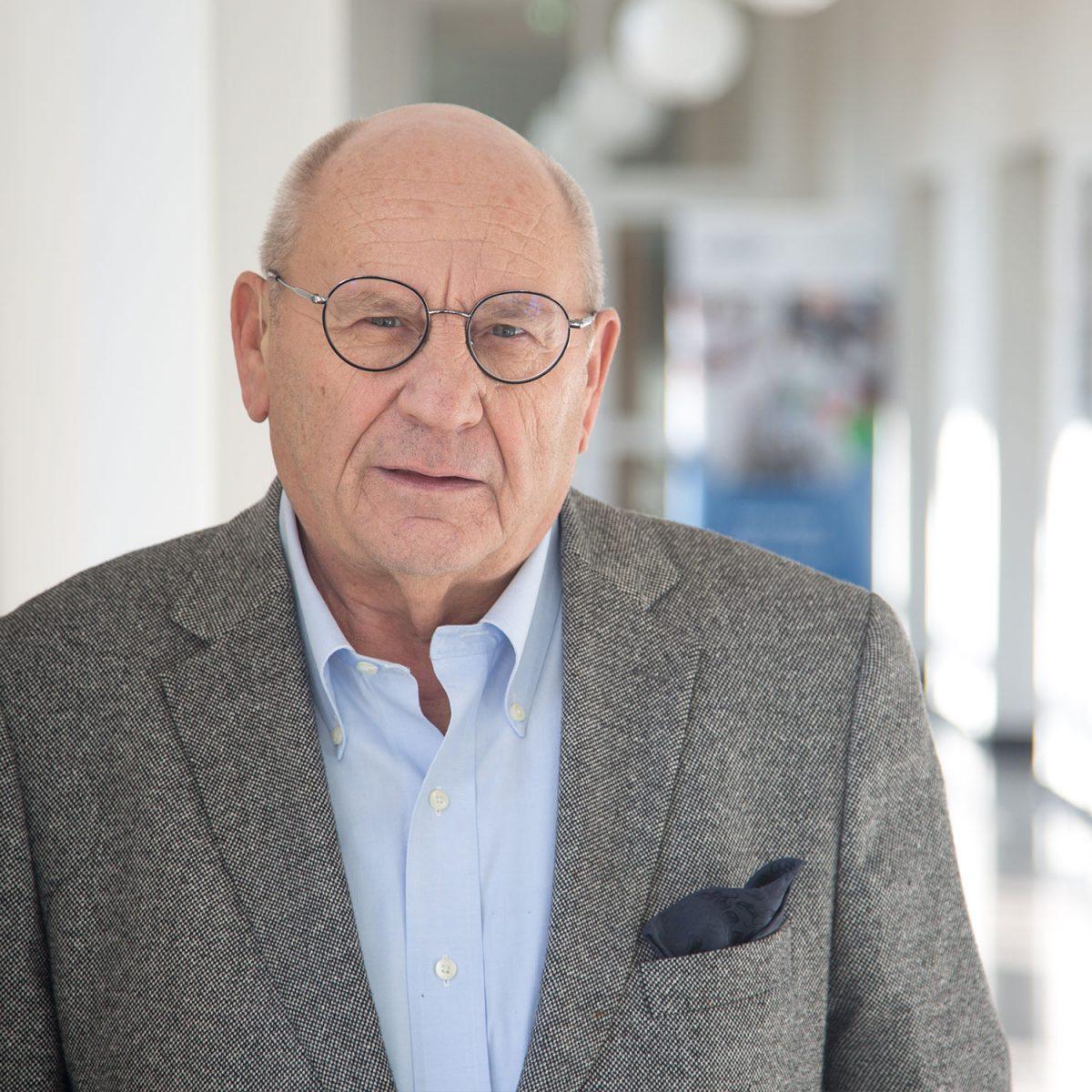 Prof. Dr. Claus Rueger